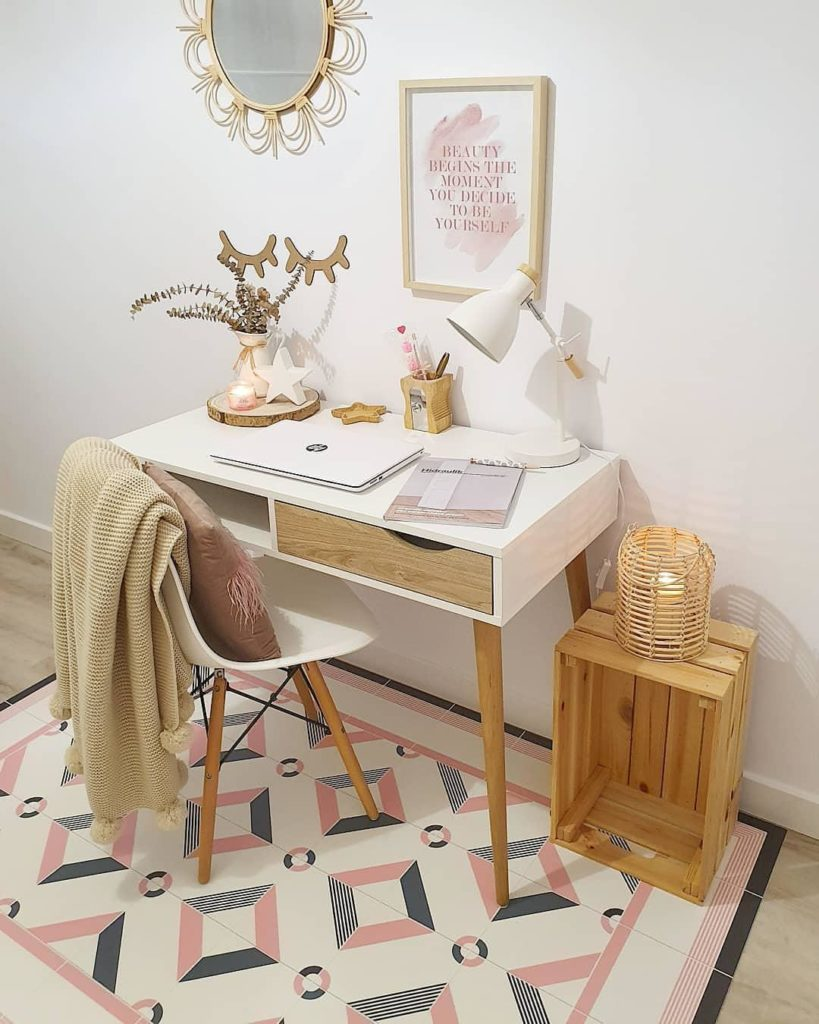 Influencer Rosenude con alfombra a medida Hidraulik